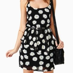 Brandy Melville Open Back Daisy Dress